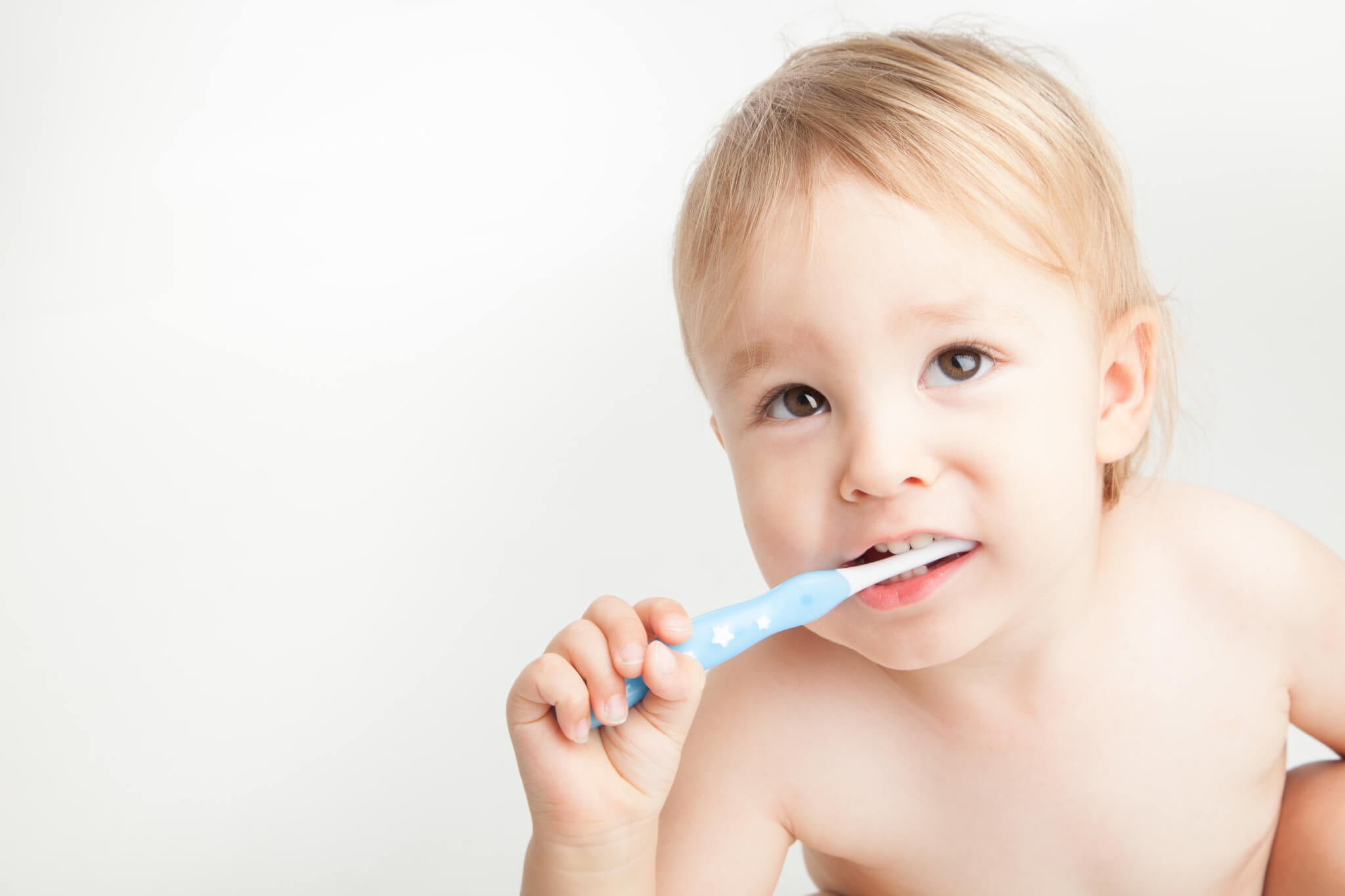 Children's Dentist Melbourne - Boy brushing teeth